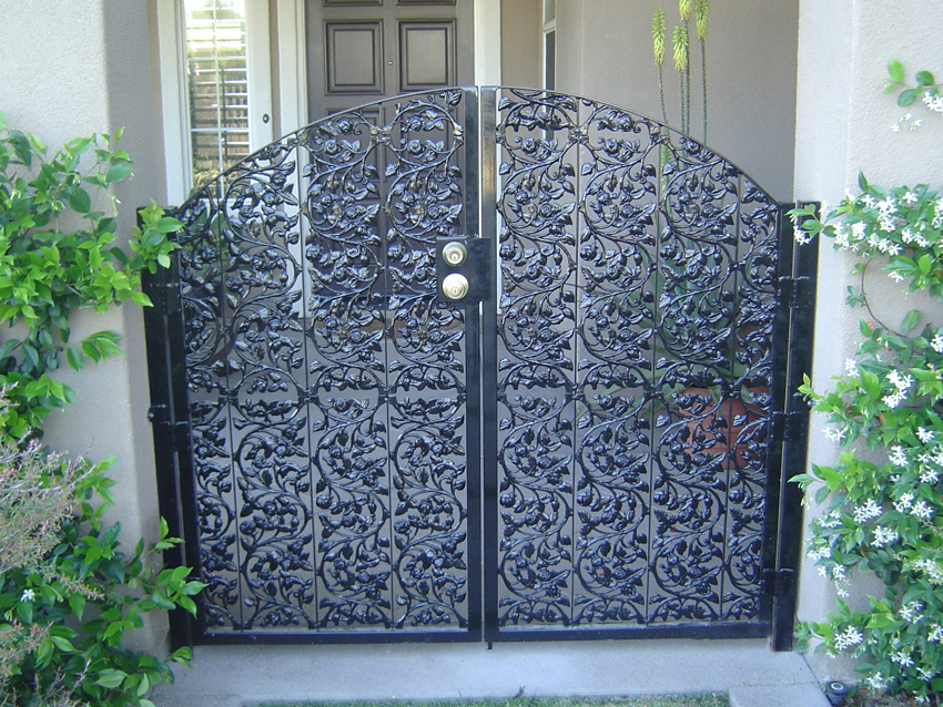 Innovative Fence Wrought Iron With Over 18 Years Of Experience
